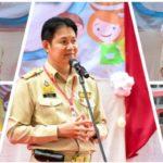 นายชาลี วัฒนเขจร ผู้อำนวยการโรงเรียนธัญบุรี พร้อมฝ่ายบริหาร คณะครูและนักเรียน จัดกิจกรรมสัปดาห์วันครู  ณ ลานกีฬาอเนกประสงค์ โรงเรียนธัญบุรี